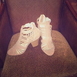 Size 9 beige cut out heels